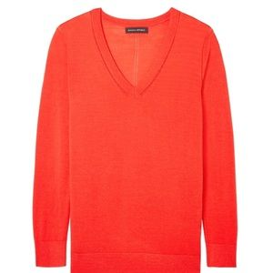 BR Extra Fine Merino Wool Red V-Neck Sweater